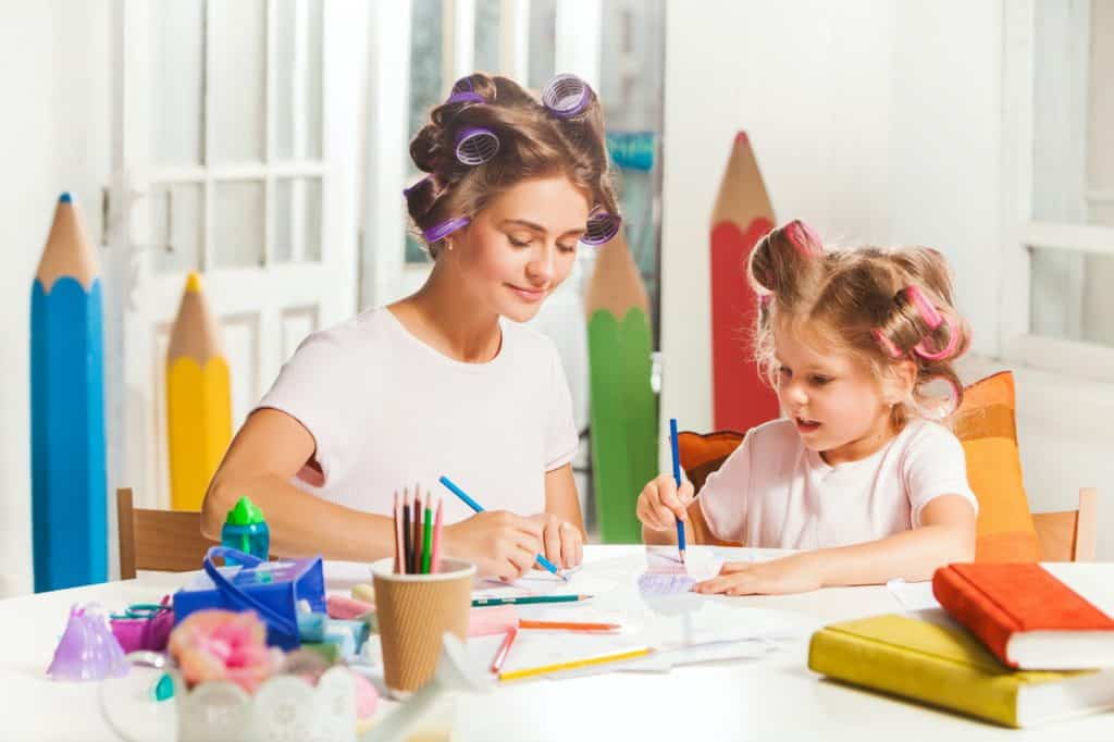 the-young-mother-and-her-little-daughter-drawing-P8QENEX-1024x682 7 Fun Activities That You Can Do At Home