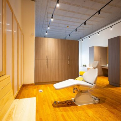 Office-Interior-Kanning-Orthodontics-2020-Kansas-City-Missouri-Orthodontist-13-386x386 Kanning Orthodontics - Liberty Missouri Braces & Invisalign